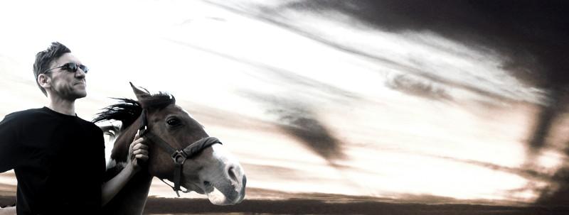 Mit Pferd Banner klein